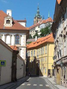 Пражский Град на холме над Прагой