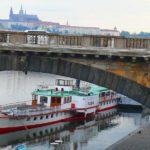 Пароходики, Наплавка и причалы в Праге - экскурсия AndyGo